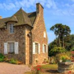 Французские традиции: налог за 2-й дом по-прежнему взимается